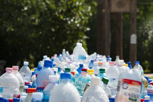 muovipullot_saaste_ymparisto